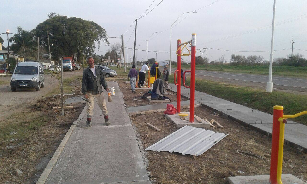 Avanza el gimnasio a cielo abierto en el barrio jorge for Gimnasio abierto